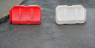 2 пластичных барьера дороги Стоковое Фото