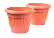 2 пластичных изолированного бака для flovers Стоковая Фотография RF
