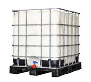 Пластмасовый контейнер IBC стоковые фотографии rf