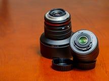 Пластмасса объектива фотоаппарата и держатель металла Стоковое фото RF