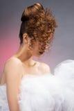 платье невесты предпосылки красивейшее изолировало белизну венчания портрета Decoratio свадьбы Стоковые Изображения