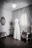 Платье свадьбы на манекене Стоковая Фотография