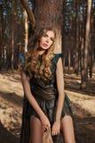 Платье солнца светлых волос лета девушки красивой женщины сексуальное Стоковая Фотография