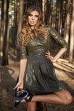 Платье солнца светлых волос лета девушки красивой женщины сексуальное Стоковые Фото