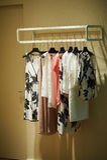 Платья женщин черно-белые Стоковые Фотографии RF