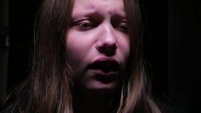 плача девушка предназначенная для подростков акции видеоматериалы