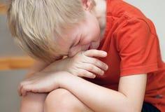 Плача мальчик Стоковые Изображения RF
