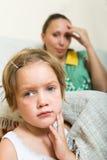 Плача ребенок и мать имея ссору Стоковые Фото