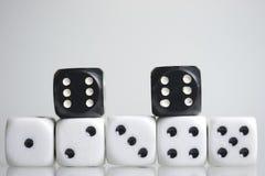 плашки играть кубиков Стоковое Фото