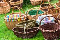 Плетеные корзины на рынке Стоковая Фотография