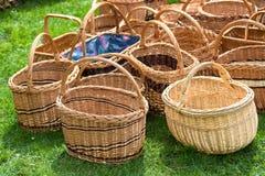 Плетеные корзины на рынке Стоковое Изображение