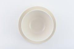 Плита 2 белизн на белой предпосылке Стоковая Фотография RF