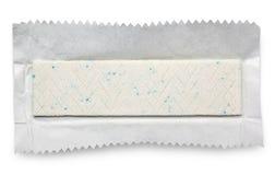 Плита жевательной резины на упаковочной бумаге стоковые изображения rf