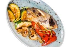 плита зажженная рыбами Стоковое Изображение