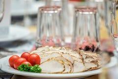 Плита мяс и томатов вишни Стоковые Изображения RF