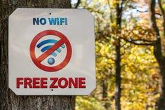 Плита никакой свободной зоны Wi-Fi, знака Стоковая Фотография