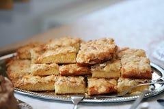 Плита очень вкусных печений миндалины стоковое фото rf