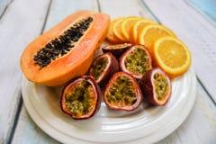 плита плодоовощ тропическая Стоковая Фотография RF
