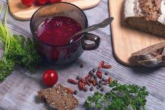Плита супа свеклы томата Стоковое Изображение RF
