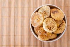 Плита с высушенными смоквами Стоковое Фото