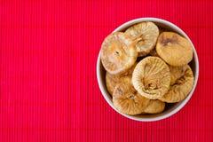 Плита с высушенными смоквами Стоковое Изображение