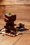 Плита с очень вкусными пирожными шоколада Стоковая Фотография