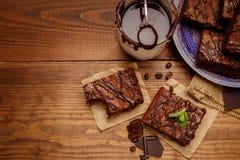 Плита с очень вкусными пирожными шоколада Стоковое фото RF