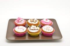Плита с различными тортами стоковые фотографии rf