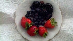 Плита с ягодами Стоковое Изображение RF