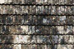 плитки плитки текстуры крыши предпосылки устарелые старые красные стоковое фото