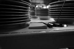 Плиты в итальянском ресторане Стоковые Фотографии RF