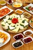 Плиты и завтраки сыра стоковое изображение rf