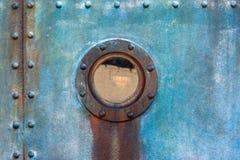 Плиты иллюминатора кабины корабля заклепанные сталью Стоковые Фото