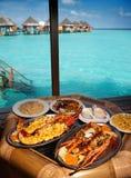 2 плиты с омаром на таблице Стоковая Фотография RF