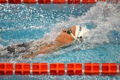 Пловец Federica Pellegrini выигрывает выпускные экзамены плавания на спине 200mt во время седьмого заплывания Милана di citta Tro Стоковое Изображение RF