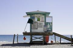 Предупреждающий флаг пляжа Стоковые Изображения RF