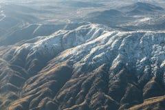 Плоский взгляд гор между Аризоной и Невадой Стоковые Изображения