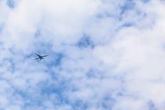Плоское летание высокое Стоковая Фотография RF