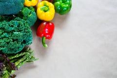 Плоское положение свежих овощей с космосом экземпляра Стоковые Изображения