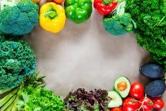 Плоское положение свежих овощей с космосом экземпляра Стоковое фото RF