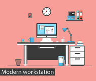 Плоское современное творческое рабочее место офиса Интерьер офиса Стоковые Изображения RF