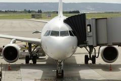 Плоскость на авиапорте Стоковая Фотография