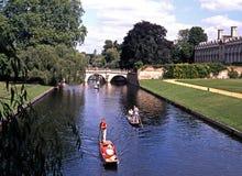 Плоскодонки на кулачке реки, Кембридже Стоковое Изображение