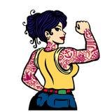 Плохая девушка pin-вверх с полной татуировкой рукава, покрытым краской татуированным вектором женщины иллюстрация вектора