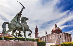 Площадь Civica San Miguel de Allend статуи генерала Ignacio Альенде Стоковые Фотографии RF
