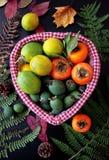 Плодоовощи в корзине Стоковые Фотографии RF