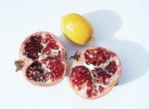 Плодоовощи гранатовое дерево и лимон Стоковая Фотография