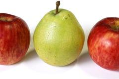 Плодоовощи груши и яблока изолировали 2 Стоковые Изображения