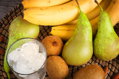 Плодоовощи и лед для делать smoothies Стоковое Фото