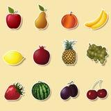 Плодоовощи и ягоды: яблоко, клубника, банан иллюстрация штока